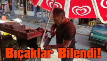Kağızman'da Kurbanlık bıçak bileyicileri iş başında